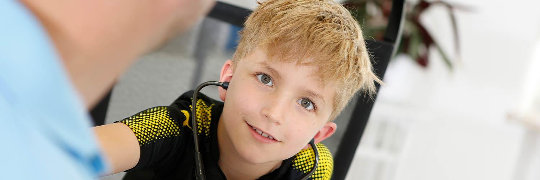 Hausarzt Salzwedel - Bark - Kind mit Stetoskop